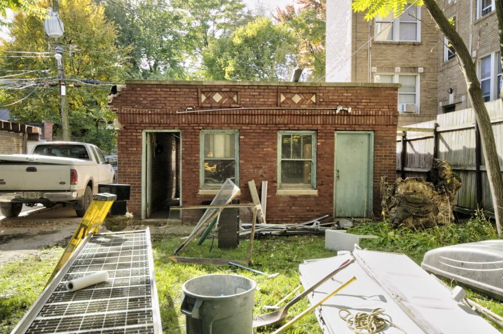 Garage of 5658 N Ridge Avenue before construction